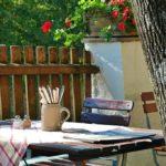 5 pomysłów na jadalnię w ogrodzie, jak urozmaicić rodzinne posiłki