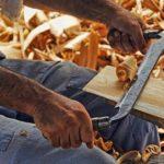 Jakie drewno najlepiej nadaje się na meble ogrodowe?
