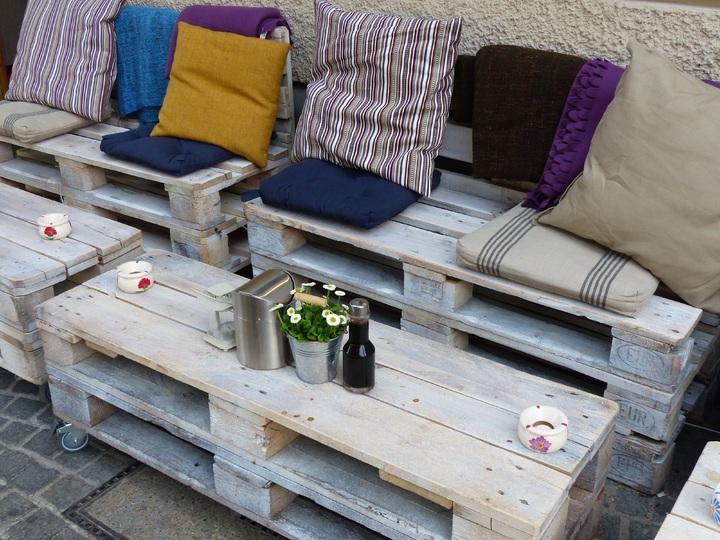 meble ogrodowe z palet drewnianych