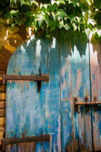 brama drewniana meble rustykalne z drewna